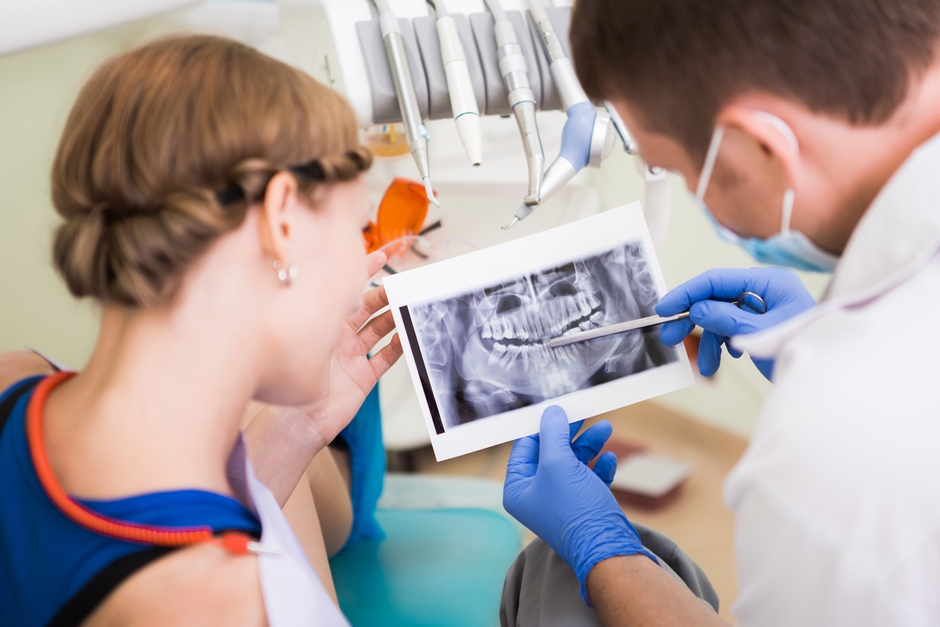 перед имплантацией зубов нужно вылечить все зубы