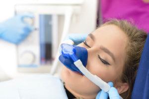 Основные моменты при лечении зубов под наркозом<br><div class='desc-row-2' style=''>Что нужно знать пациенту при планировании лечения</div>