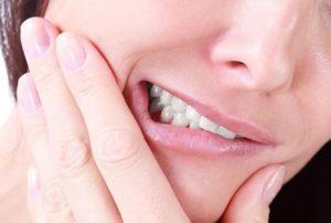 Острая боль<br></noscript><div class='desc-row-2' style=''>Причины зубной боли и методы лечения</div>
